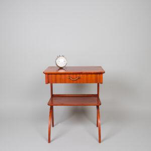 Yöpöytä/Sivupöytä